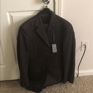 Choc Geoffrey Beene 3 button suite. Size 38L/32w
